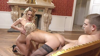 Blondes are sharing cock in wonderful family tryout