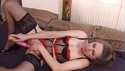 French MILF masturbates