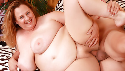 Older Plumper with Racy Natural Boobs Winter Wolf Loves a Long Cock