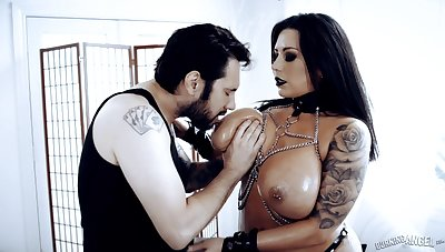 Busty brunette MILF Sheridan Love goes Gothic and enjoys immutable doggy fuck