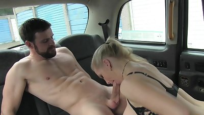 Busty vixen Rebecca More gives her cab driver influential access in all directions her goods
