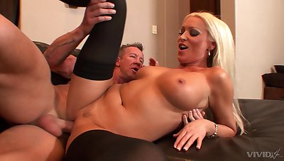 Professional escort Diana Doll spreads her legs for a large rod