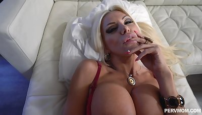 Slutty stepmom POV fucking alongside stacked Brittany Andrews