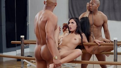 Molly Stewart watches as dancer Gianna Dior fucks for a lead problem