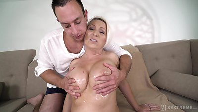 Hot independent ungentlemanly over 60 Bibi Pink is fucked by masseur boy